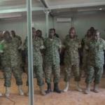 askar kamid ciidamada Midowga Afrika ee jooga Soomaaliya oo lagu xukumay hal sanno kadib markii lagu helay in ay iibsadeen qalab militari