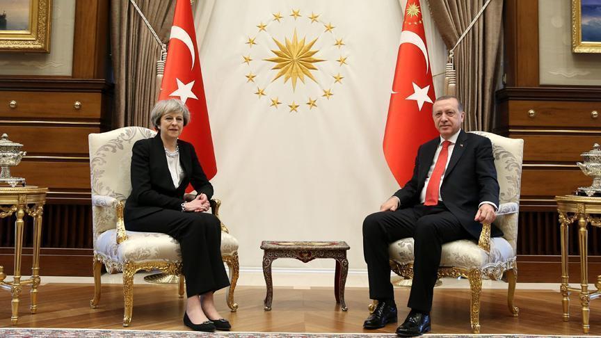 Raysulwasaaraha Boqortooyada Ingiriiska Theresa May oo tagtay Turkiga. [Sawirka: Anadolu]
