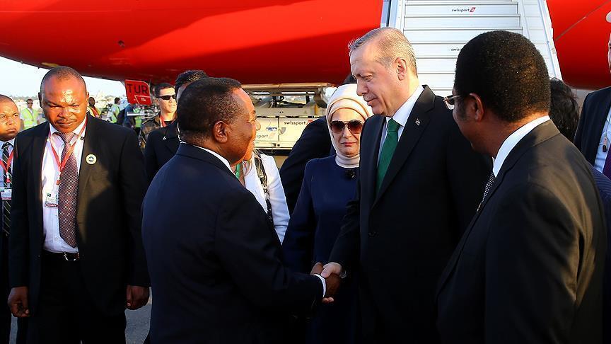 Madaxweynaha Turkiga Erdogan oo tagay dalka Tanzania. [Sawirka: Anadolu]