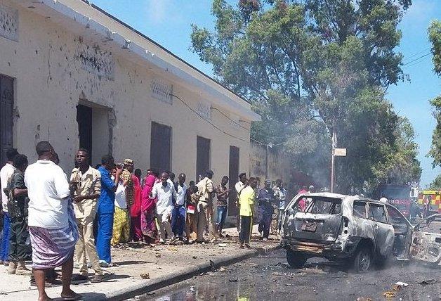 One killed in Mogadishu car bomb. [Photo: Twitter]