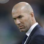 Zinedine Zidane oo iska casilay macalinimada Real Madrid