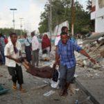 Ugu yaraan 15 qof oo ku dhintay weerar ay Al-Shabaab ku qaaday xarun wasaaraddeed oo kutaala Muqdisho